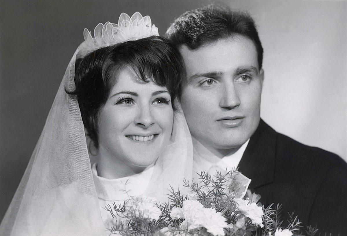 Family • Photo Restoration • 5 • Mamička & Taci • Wedding
