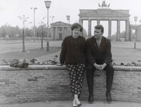 68.Jun - Dresden · Eva Kendeova & Vaclav Dusil (honeymoon, monument)