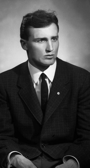 67.Feb - Košice · Vaclav Dusil (Graduation photo from Veterinary Medicine, sako)