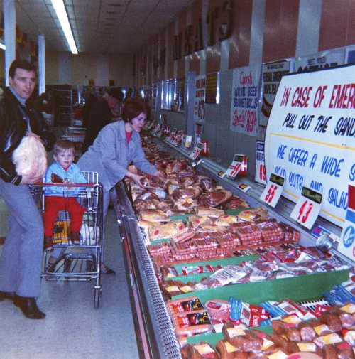 70 - Toronto · Vaclav, Gabriel & Eva Dusil (grocery shopping)