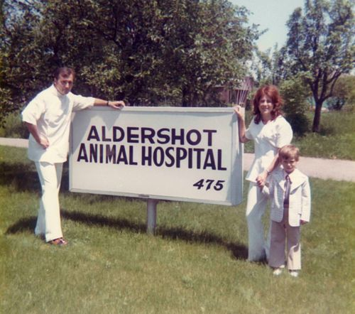 73.Jun - Burlington · Vaclav, Eva & Gabriel Dusil (Veterinarian, Aldershot Animal Hospital sign)