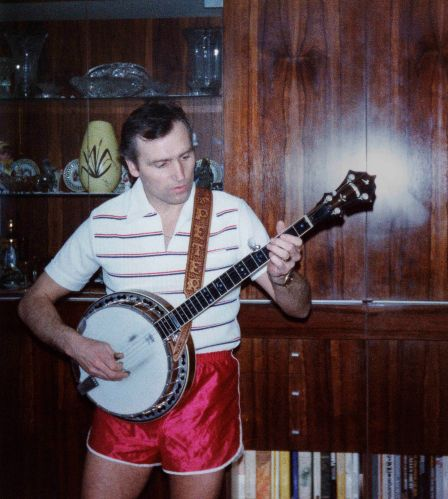 76 - Burlington · Vaclav Dusil (playing the Banjo)