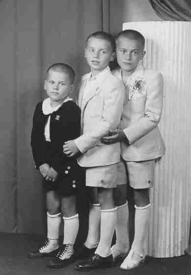 49.May.22 - Ostrava · Karol, Vaclav, Robert Dusil (standing)