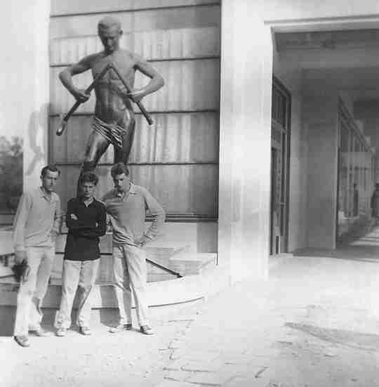59 - Piešťany · Karol, Vaclav, Robert Dusil (statue)