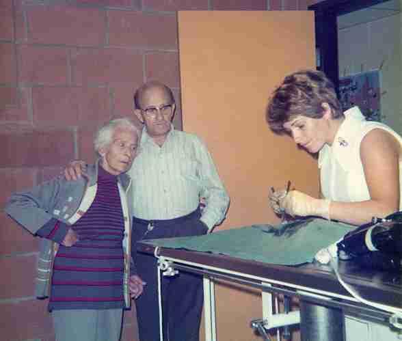 74 - Burlington · Valeria, Stefan Kende & Eva Dusil (Veterinarian, surgery)