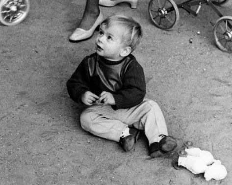 69.Oct - Paris · Gabriel Dusil (on the ground)