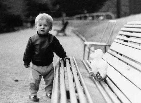 69.Oct - Paris · Gabriel Dusil (park bench & toy)