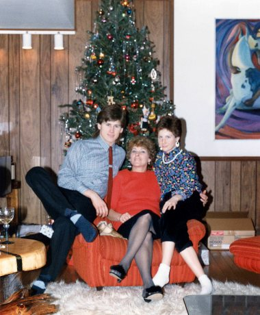95.Dec.24 - Burlington · Gabriel, Eva & Alica Dusil (christmas)