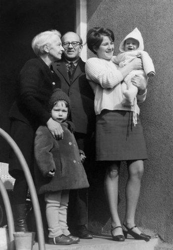 69.Feb - Košice · Valeria, Iveta, Stefan Kende, Eva & Gabriel Dusil (Slavo's front porch)